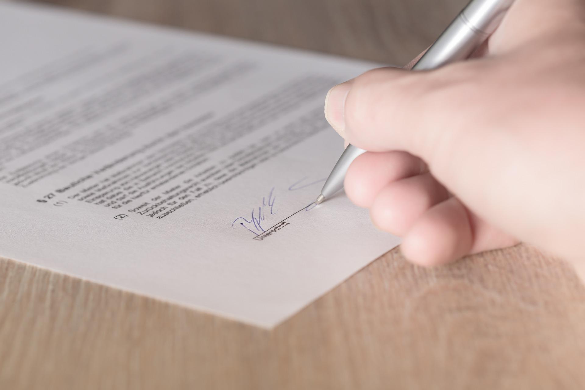 Firma manuscrita y firma digital en la ISO 9001
