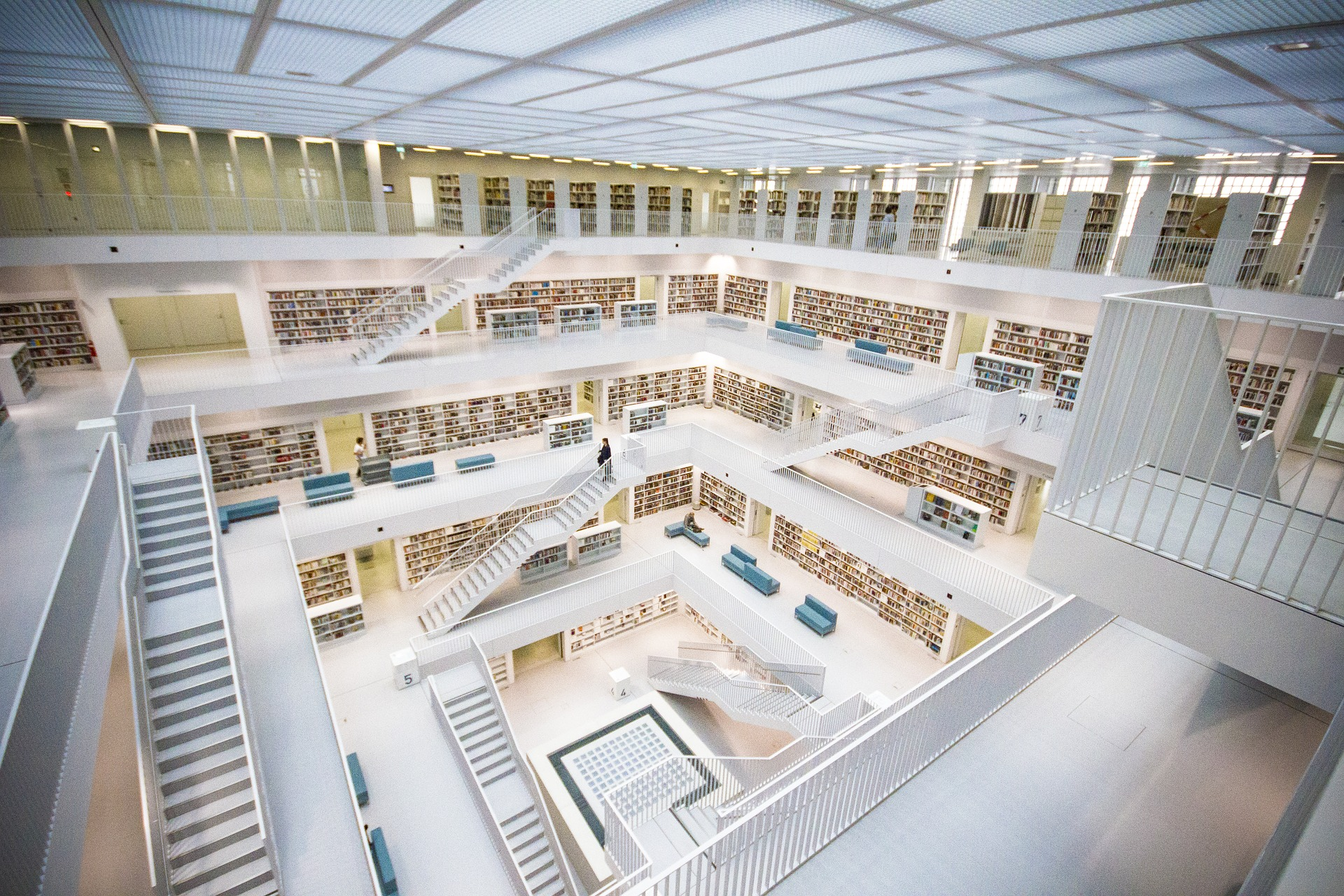 Los investigadores trabajamos con fuentes secundarias, como los libros que encontramos en las bibliotecas